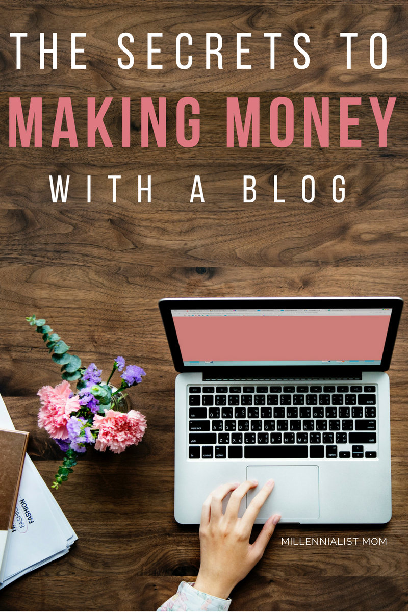 the secrets to making money with a blog! #makemoneyonline #howtoblog #passiveincome #onlineincome #extramoney #bloggingtips