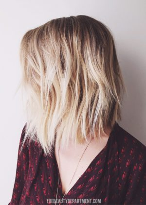 the best haircuts for moms - the LOB. Easy & awesome styling options. Yes, please!
